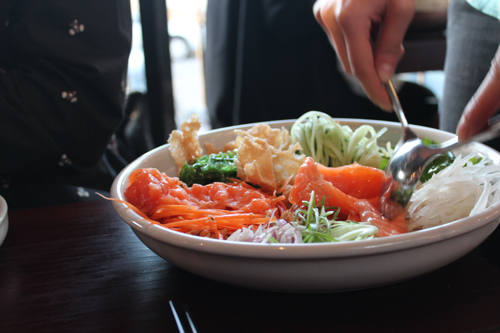 salmon salad mix